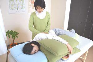 妊婦さんも安心の横寝ワーク
